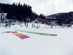 Ski-school training carpet